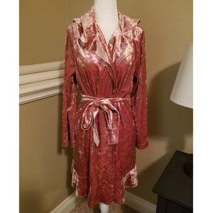 NWT Betsey Johnson Hooded Rocker Pink Velvet Robe